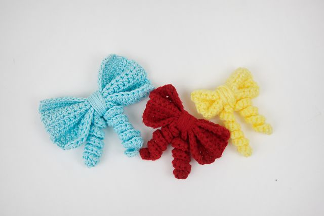 Curly Bow pattern by Knot Bad #crochetbowpattern