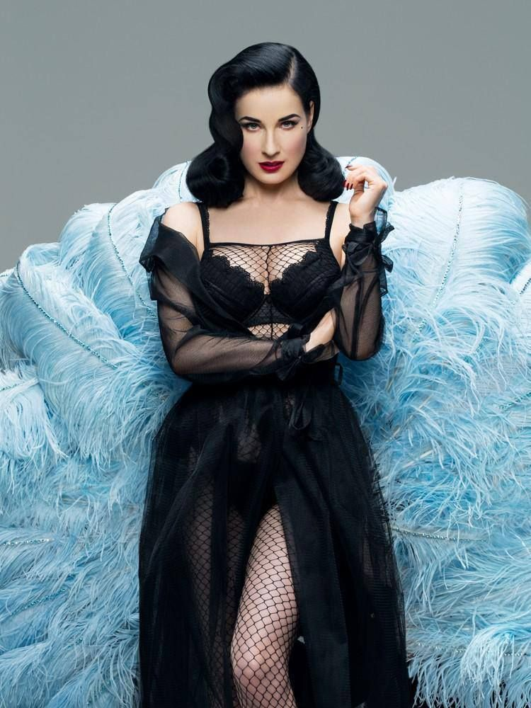81a664685908 Image result for Dita Von Teese photoshoot Marilyn Manson pool ...