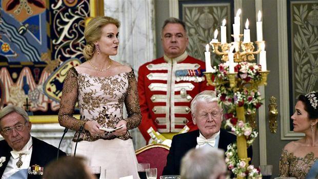 Danmarks statsminister holder tale ved gallataflet i anledning af dronning Margrethes 75 års fødselsdag.