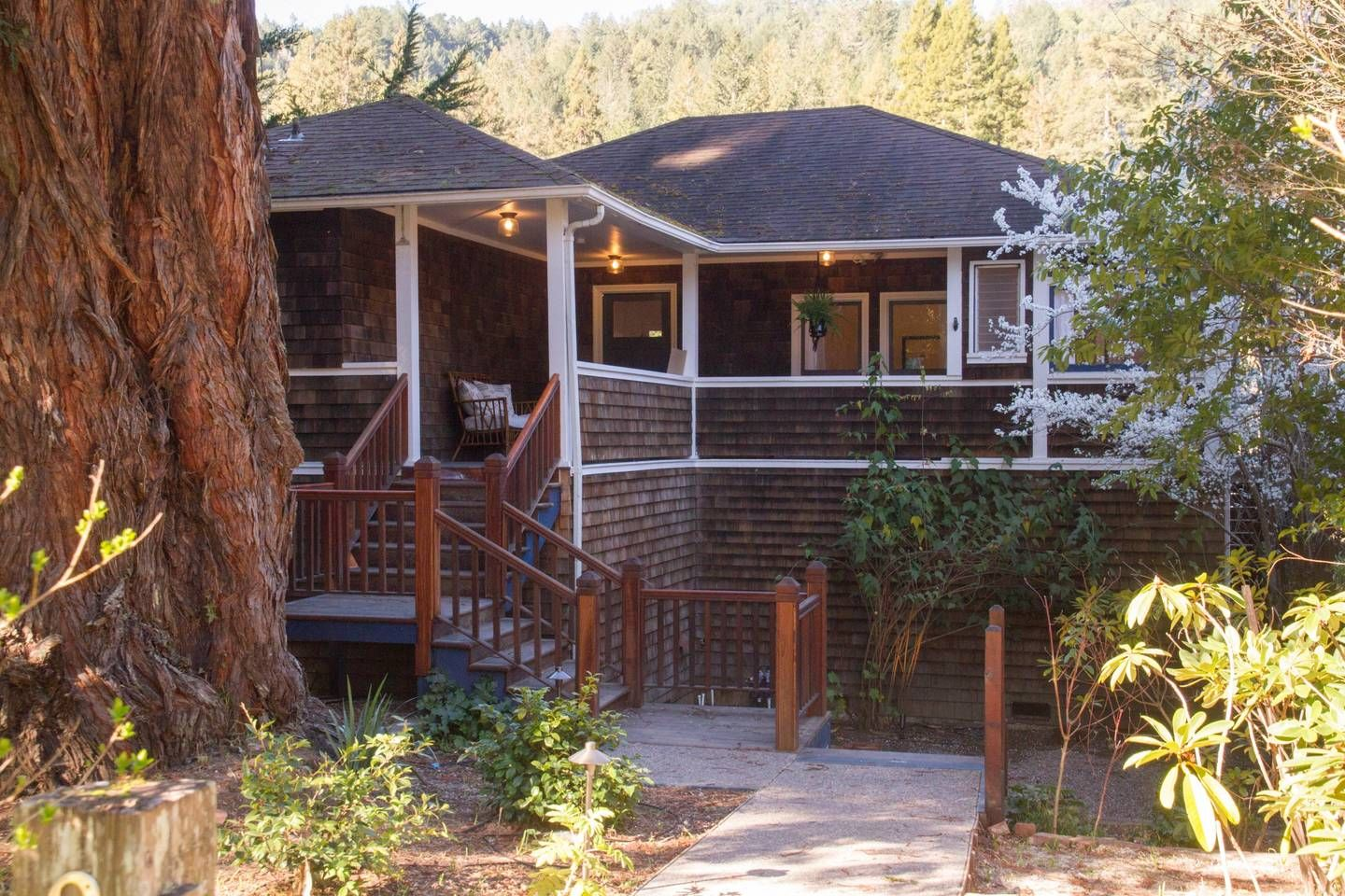 Grace Cottage On The River Cottages For Rent In Monte Rio California United States Vacation Home River Cottage House Styles