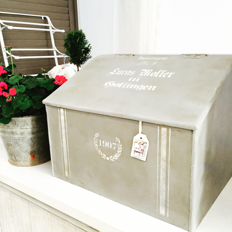 Vintage shoe box in French Linen, Old White and dark wax. Stencil - Maisondestencil.