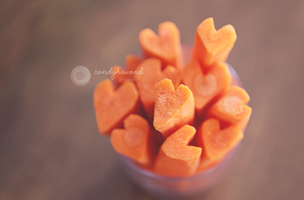 www.candyhoward.com Hearty Carrot Snack  Original idea for carrot hearts for soup from http://www.recipebyphoto.com/heart-shaped-carrots-tutorial/