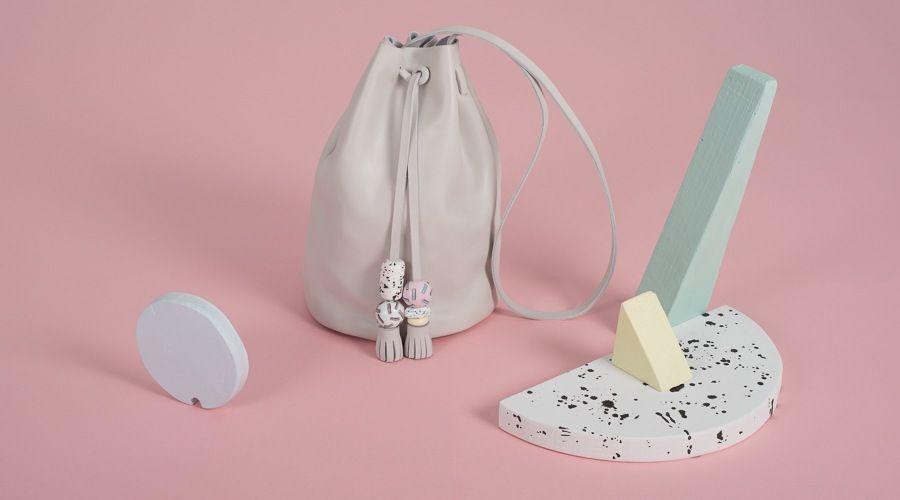 BALLOON HIELO bag from LEATHER TOYS collection -LESS BORE- #handmade #slowfashion #modaresponsable #diseño #bolso #cuero #leather #bag #lessbore