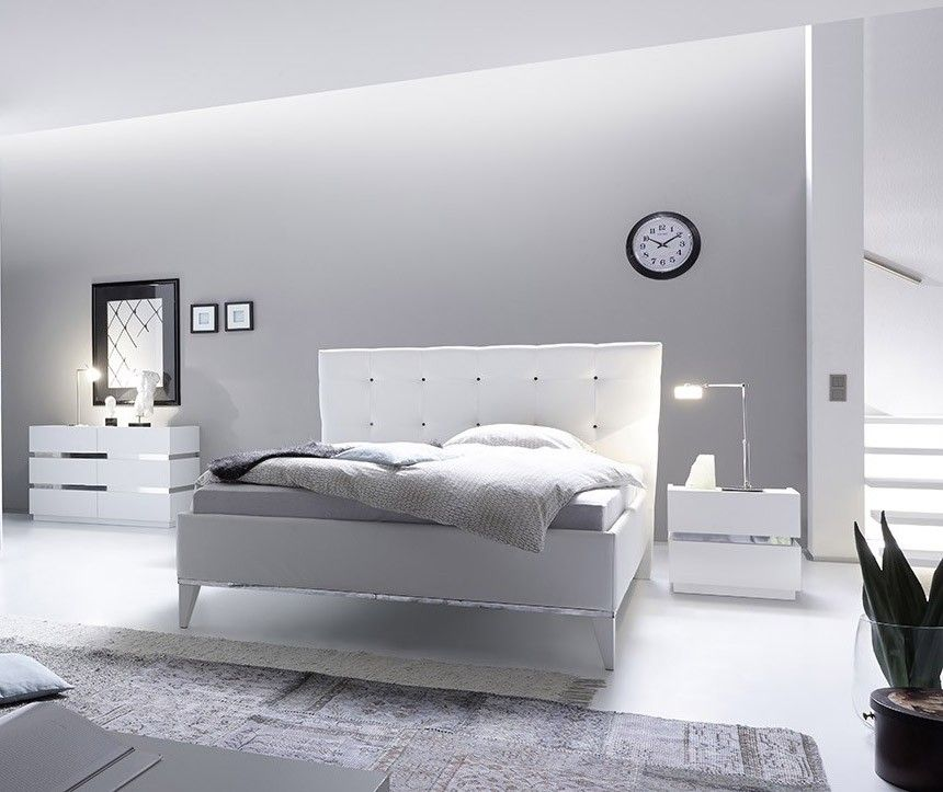 Camera completa bianco con letto in ecopelle bianco | Camere moderne
