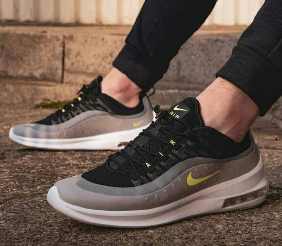 nike shoes less price