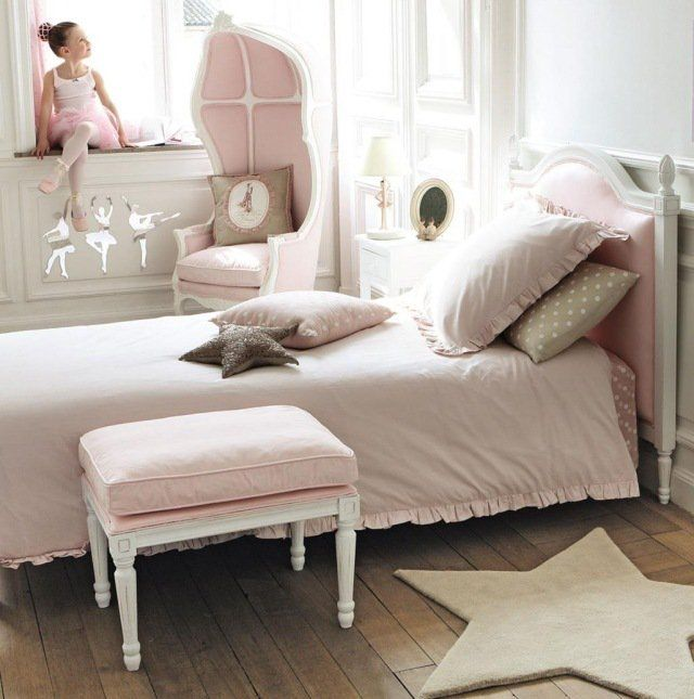 id es de d co chambre fille dans le style romantique tr s. Black Bedroom Furniture Sets. Home Design Ideas