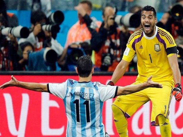 Maxi Rodriguez convirtio el ultimo penal.. Argentina a la Final.. 9 julio de 2014 ... Mundial Brasil 2014... Semifinal Argentina vs Holanda. Estadio Arena Corinthians. San Pablo.