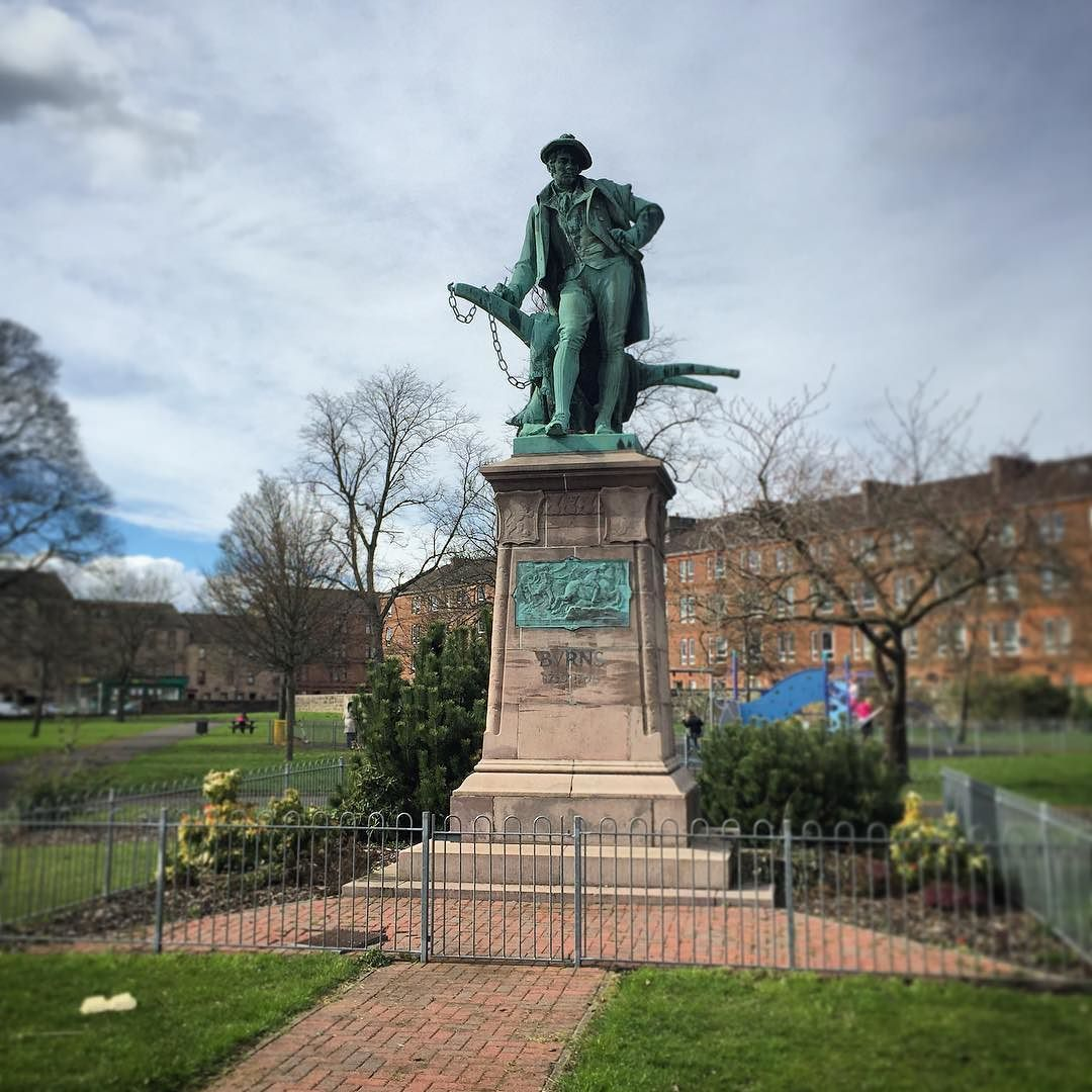Robert Burns Statue At The Fountain Gardens Paisley
