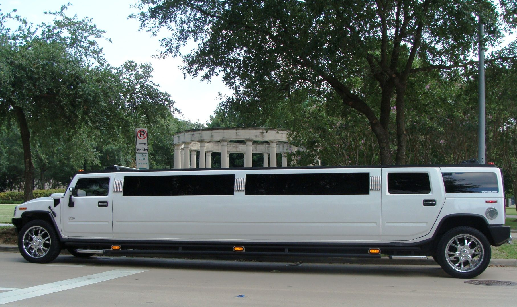 Monumental Limousine Offers You Comfortable Affordable - Pink hummer limo long island