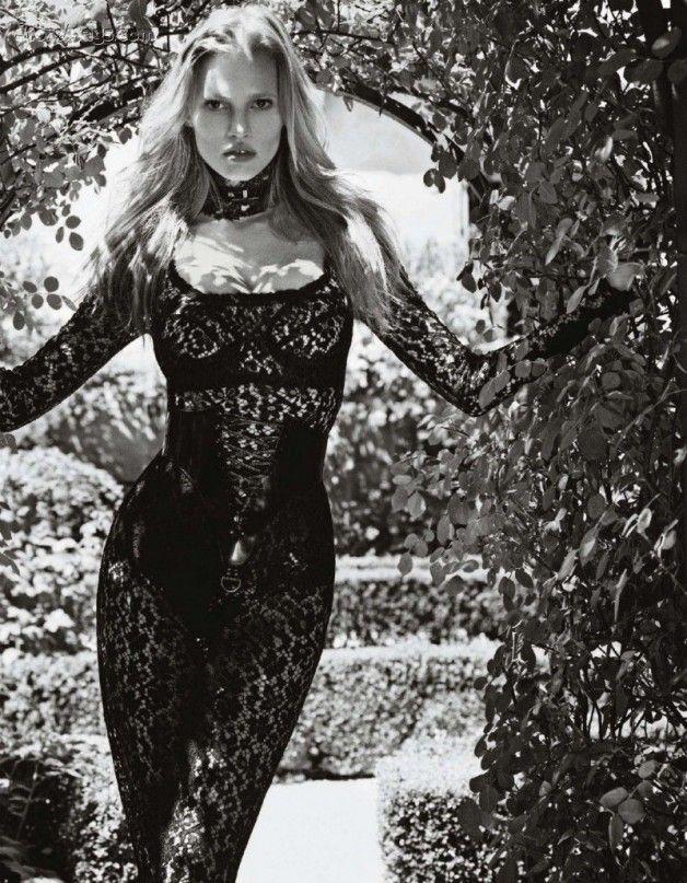 """Lara Stone """"La Belle Maitresse"""" Vogue Japan"""