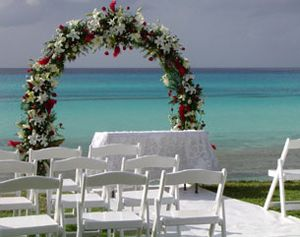 How To Decorate A Wedding Arch 4 Ideas To Decorate Wedding Arches All About Wedding Arch Decoration Wedding Wedding Arch Wedding