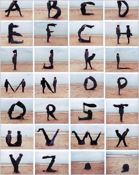 Menschliche Körperform Kunst   Das menschliche Alphabet von Pilobolus Wie man englische Alphabete lernt Mensch …