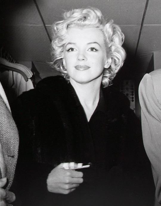 Marilyn with bandaged thumb by Kashio Aoki