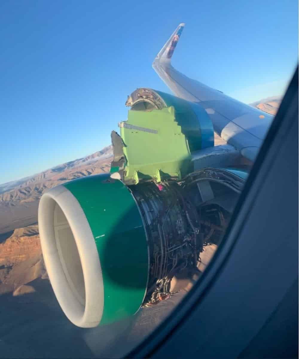 Motor deteriorat la un Airbus A320 Frontier Airlines (Foto