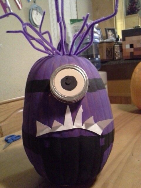 Purple minion pumpkin paint entire with