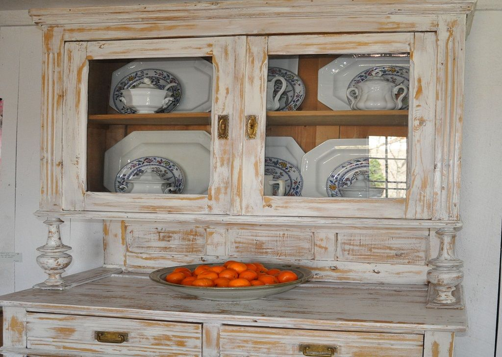 Vintage Small Kitchen Hutch : How to Decorate a Small ...