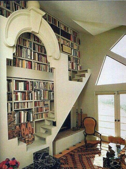 Love the staircase to reach your books.
