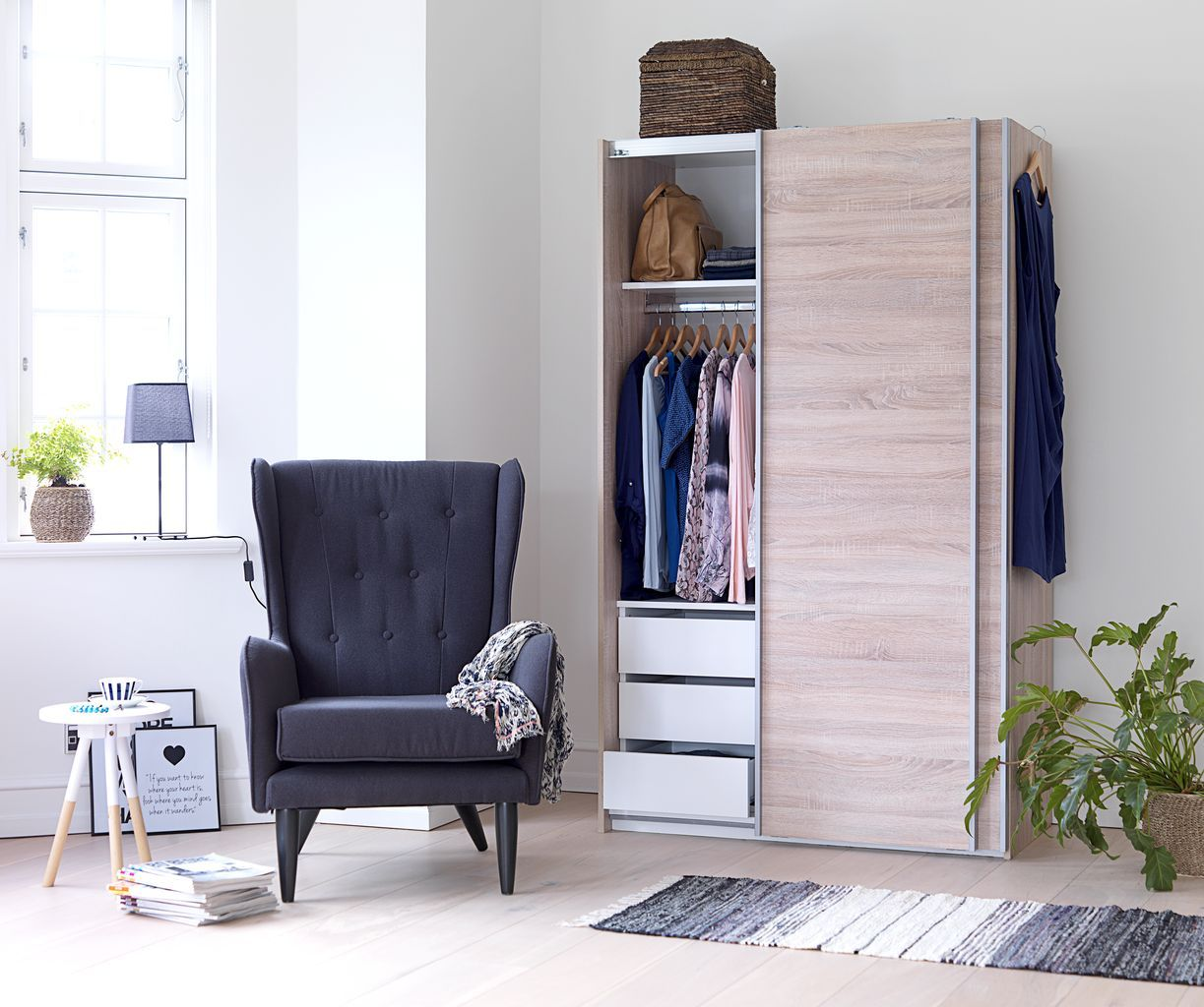 tarp garderobekast + sunrise fauteuil   jysk #jysk #slaapkamer, Deco ideeën
