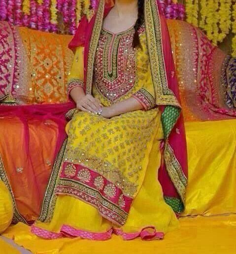 Mehndi Outfit Ideas : Latest bridal mehndi dresses collection