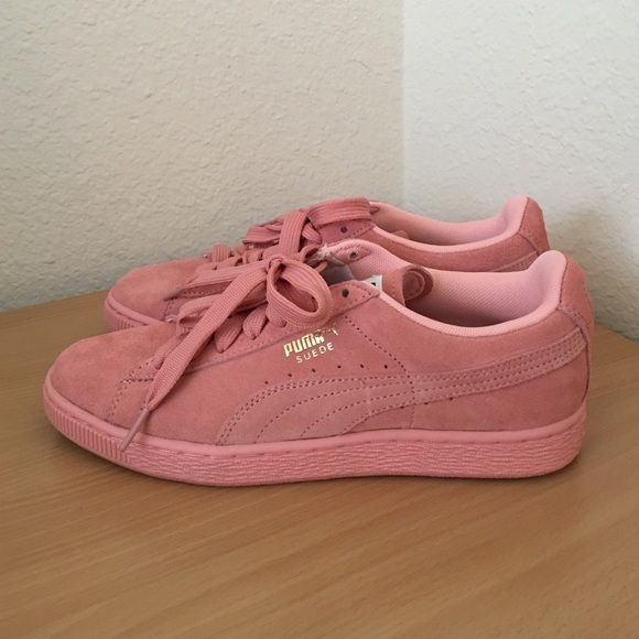 9edc3f07a2649f Womens Puma Suede Classic Pastel Pink Size 7 Worn once or twice. Barely  noticeable scuff on the suede