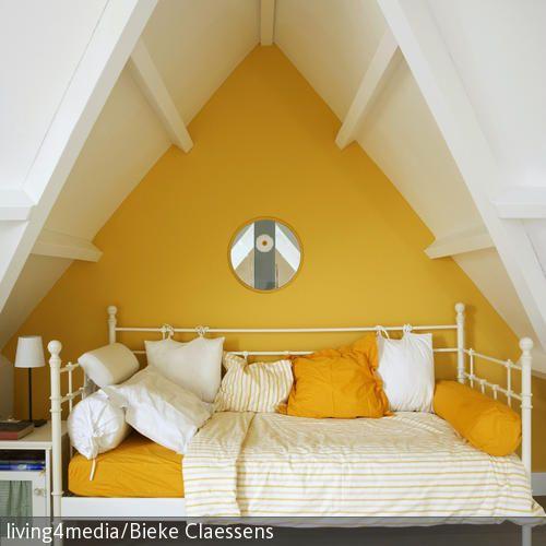 Schlafzimmer Schräge mit Farbe gestalten | Schlafzimmer ...