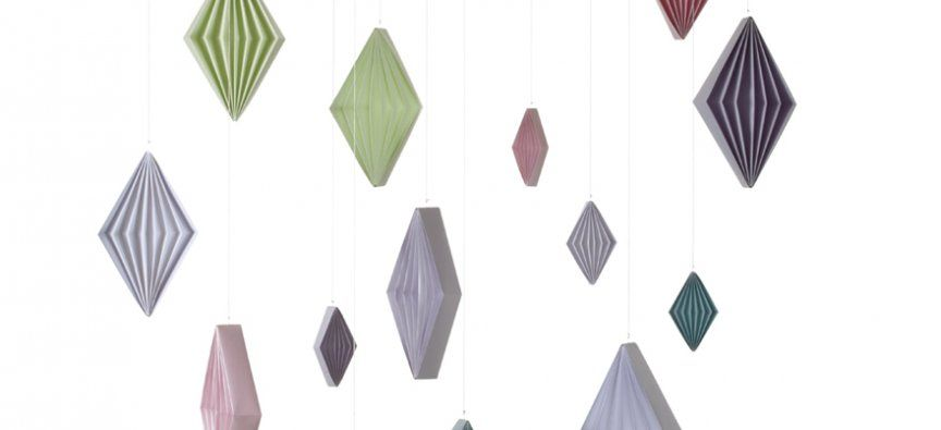 Harlequin Dices New origami folding spring ornaments for branches and Windows 2014. Stjernestunder.dk