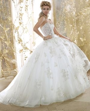 Sweetheart Princess/Ball Gown Wedding Dress with Natural Waist in Silk Organza. Bridal Gown Style Number:32837510