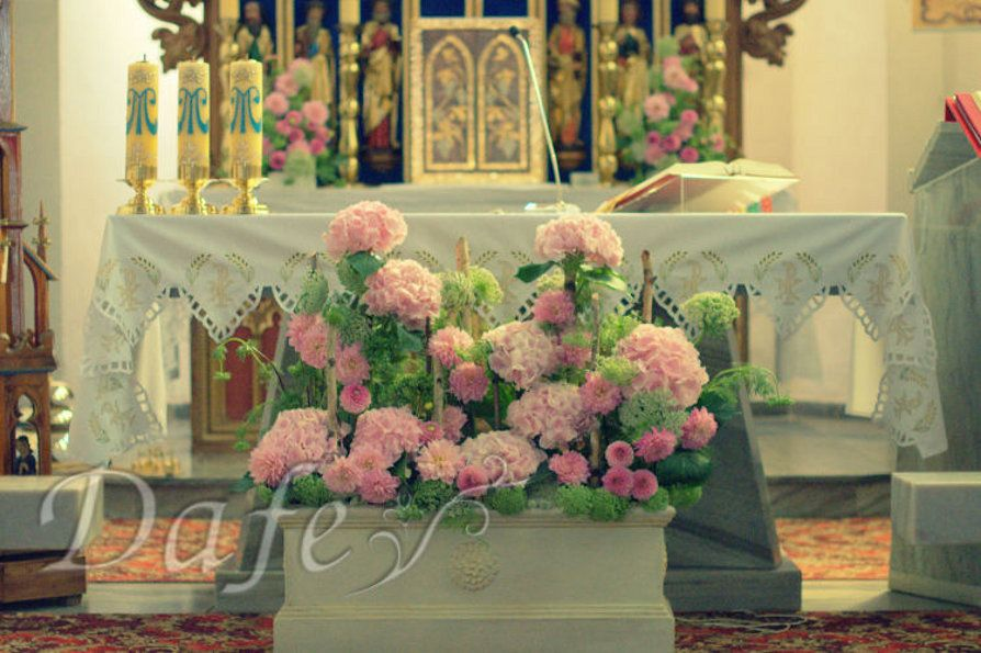 Dekoracje Wielkanocne Kościoła Szukaj W Google Centros