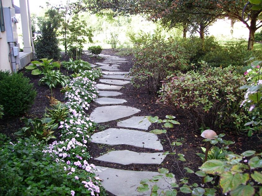Landscaping Ideas Using Stone : Using stepping stones in your landscaping tomlinson