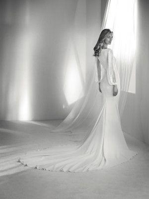 relato: vestido de novia estilo sirena con flecos | pronovias 2018