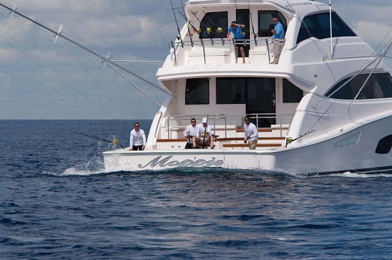 Bertram 80 sportfishing yacht outperform luxury for Sport fishing boat manufacturers