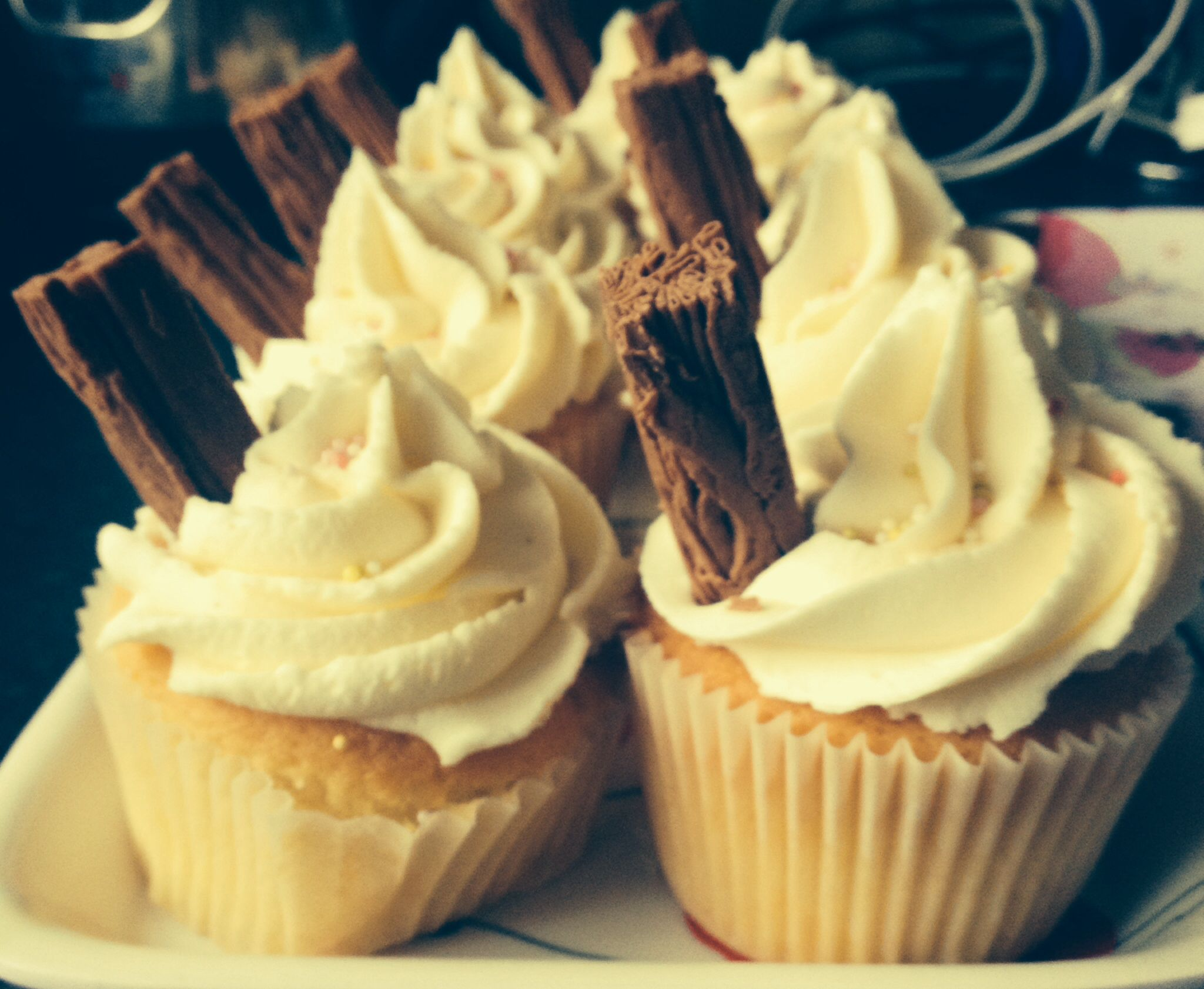 Vanilla ice cream cupcakes | Birthday & wedding cakes - Nicola ...