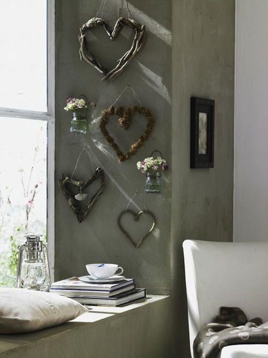 Đơn giản với hoa khô và cành khô tạo nên một bức tường nghệ thuật lãng mạn, cuốn hút