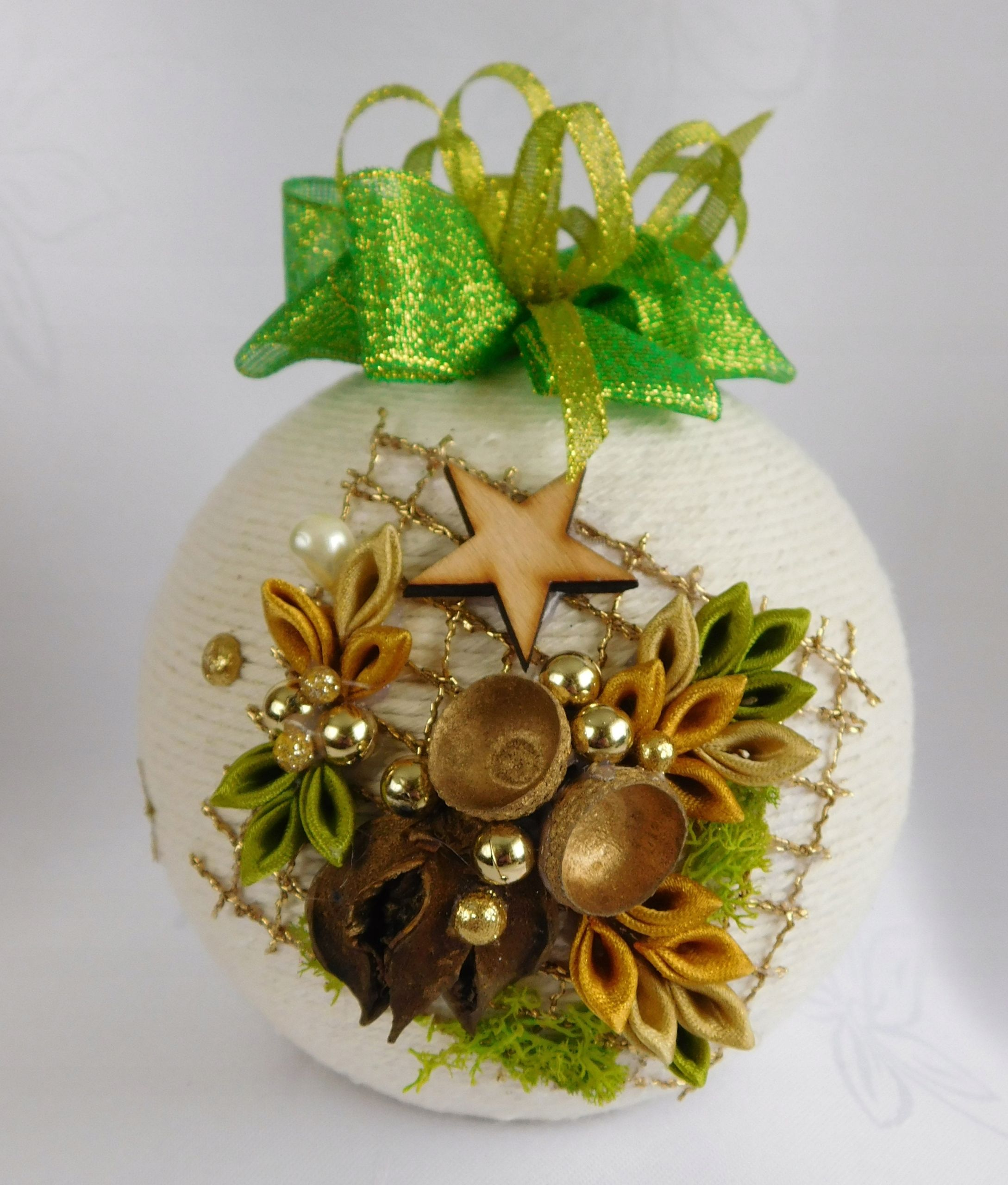 Kup Teraz Na Allegro Pl Za 25 00 Zl Bombka Sznurkowa Na Choinke Prezent Rekodzielo 8098336105 Allegro Christmas Bulbs Christmas Ornaments Holiday Decor