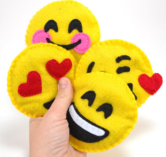 Cute Felt Emoji DIY Cat Toys