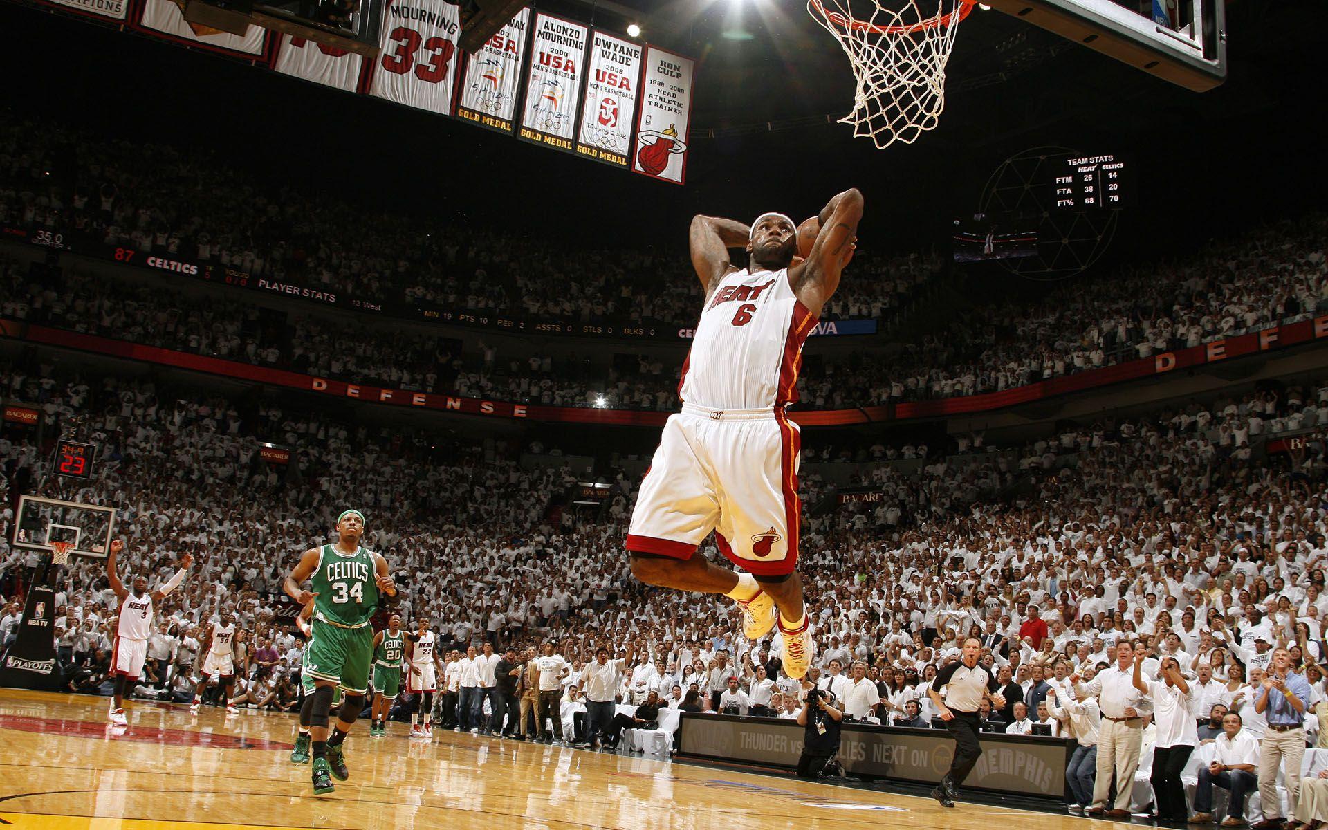 Lebron James Miami Heat Dunk