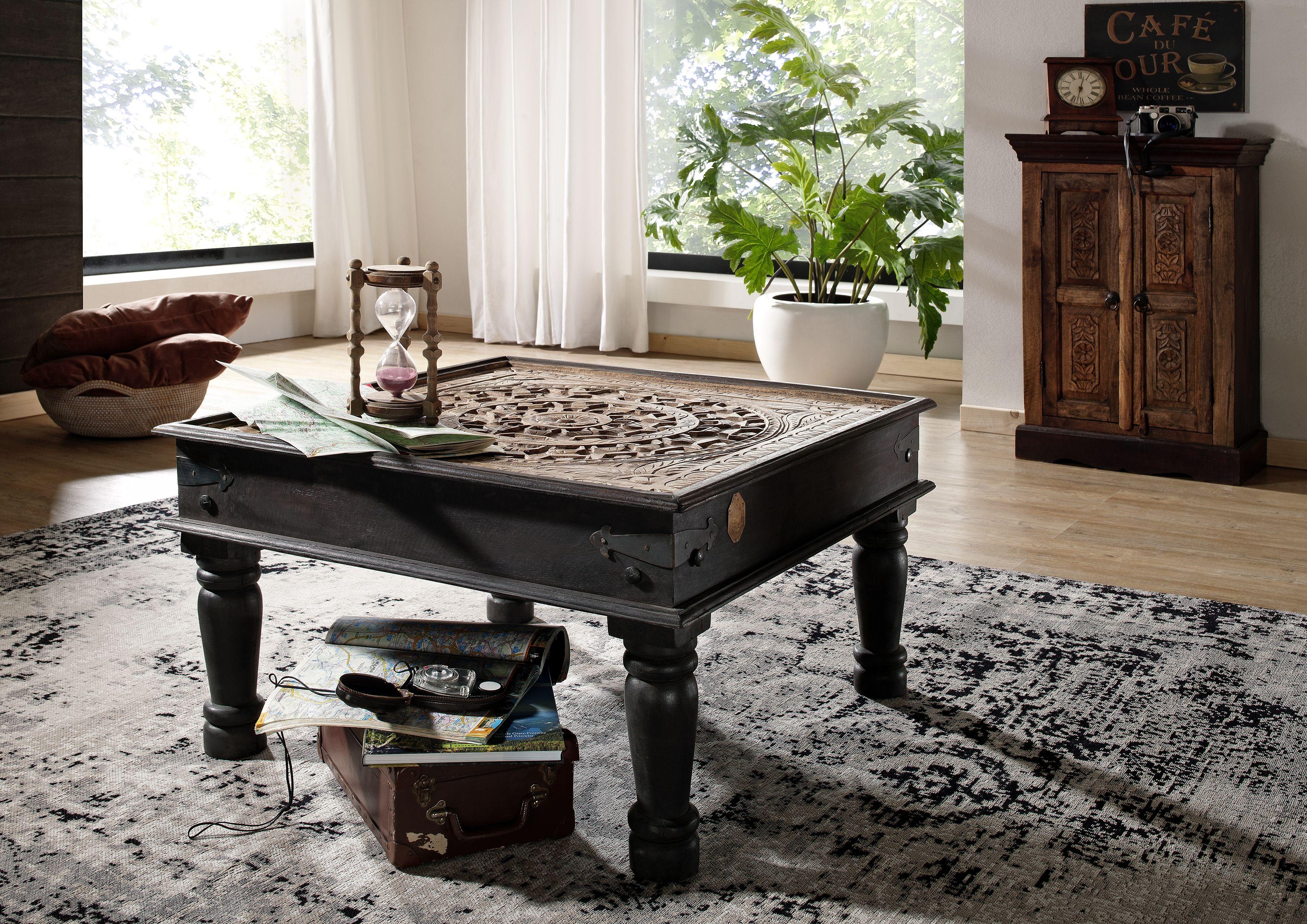 Kaffeetisch in antikem Stil. Die faszinierenden Möbel der Serie ...