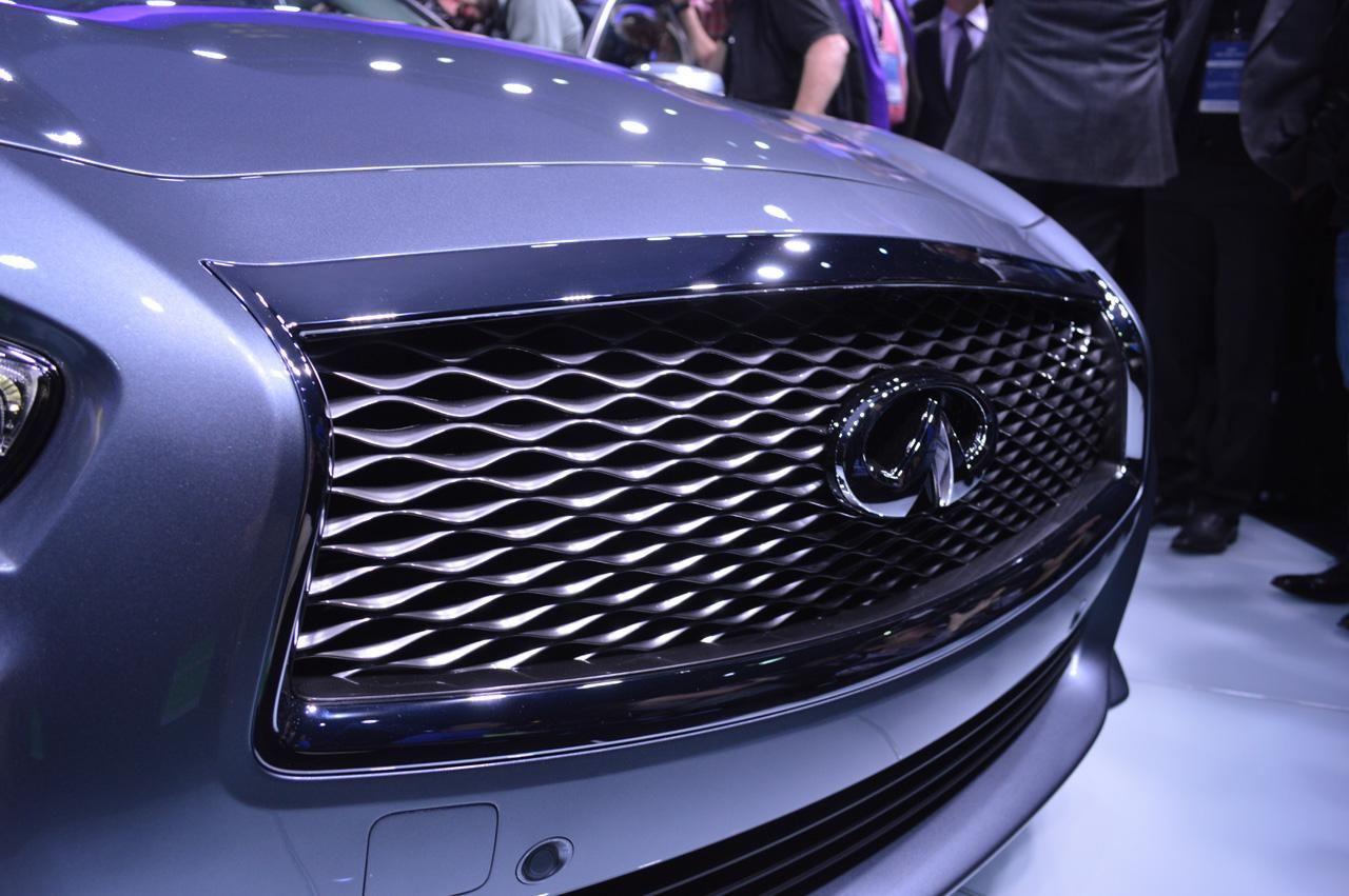 Наследник Gсерии 2014 Infiniti Q50 Mercedes benz logo