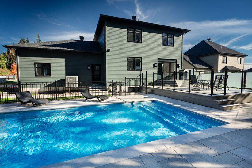 piscine style contemporaine contour piscine permacon laguna dalle transpav giga patio. Black Bedroom Furniture Sets. Home Design Ideas