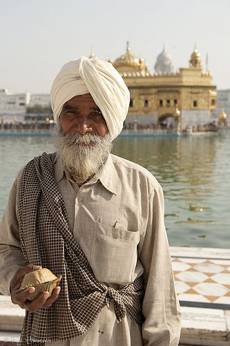 Sikh Man at the Golden Temple | Flickr - Photo Sharing!