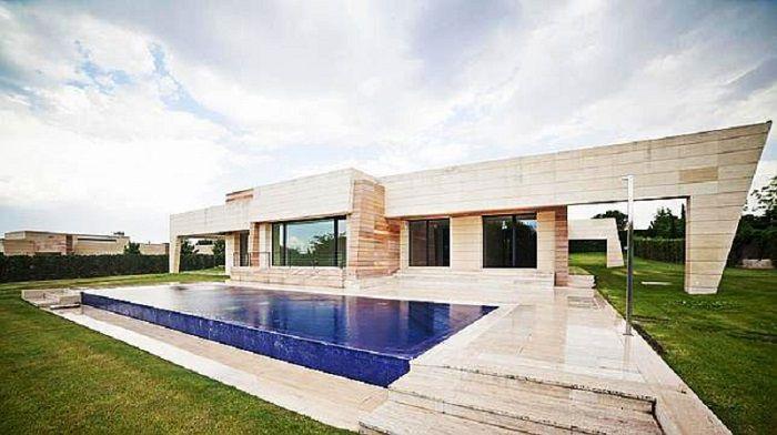 Casa de lujo de Cristiano Ronaldo en Madrid  ArQuitexs