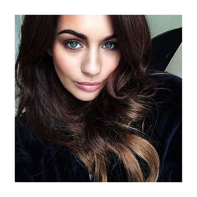 """Holly Peers on Instagram: """"Hair and make up today by @abibeltonmua """"   Holly peers, Hollywood ..."""