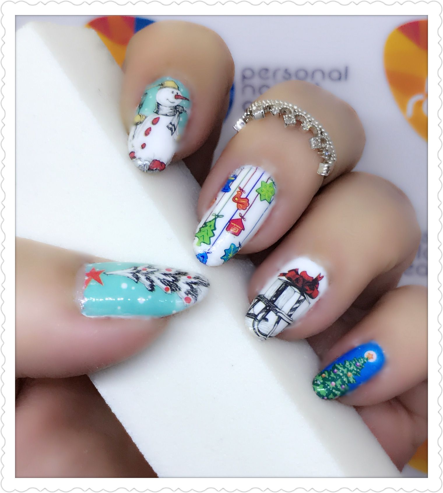 Christmas themed nailart using water transfer decal. Products used ...