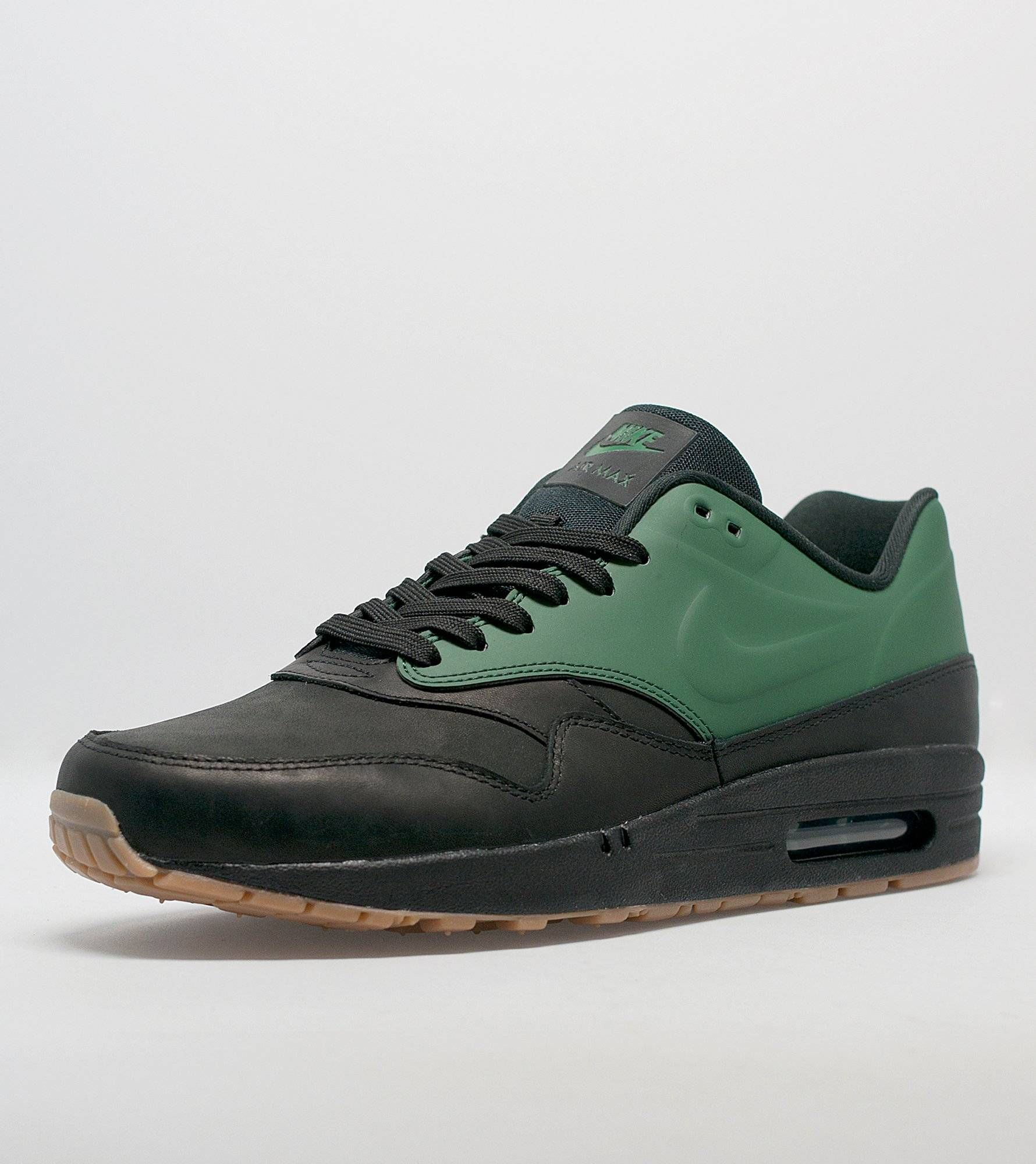 Nike Air Max 1 VT QS - find out more on our site. Find the freshest in trainers and clothing online now.