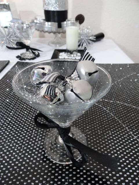 Black White And Silver New Year S Party Ideas Photo 7 Of 27 Black Party Decorations White Party Decorations Silver Party