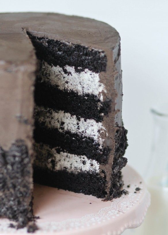 Fudgy Cookies and Cream Cake #cookiesandcreamfrosting