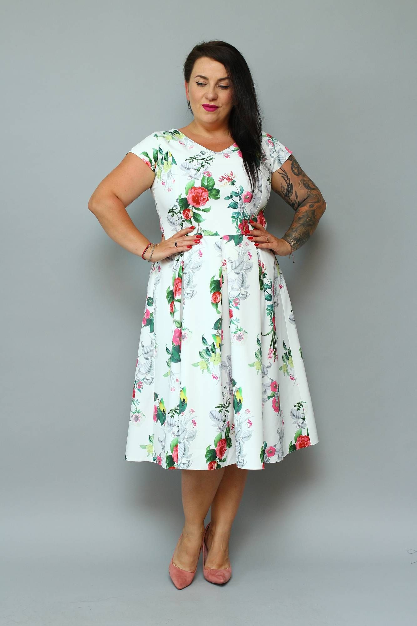 Sukienka Nikoleta Kontrafalda Ecru W Roze I Ptaszki Sklep Internetowy Plus Size Dresses High Neck Dress Fashion