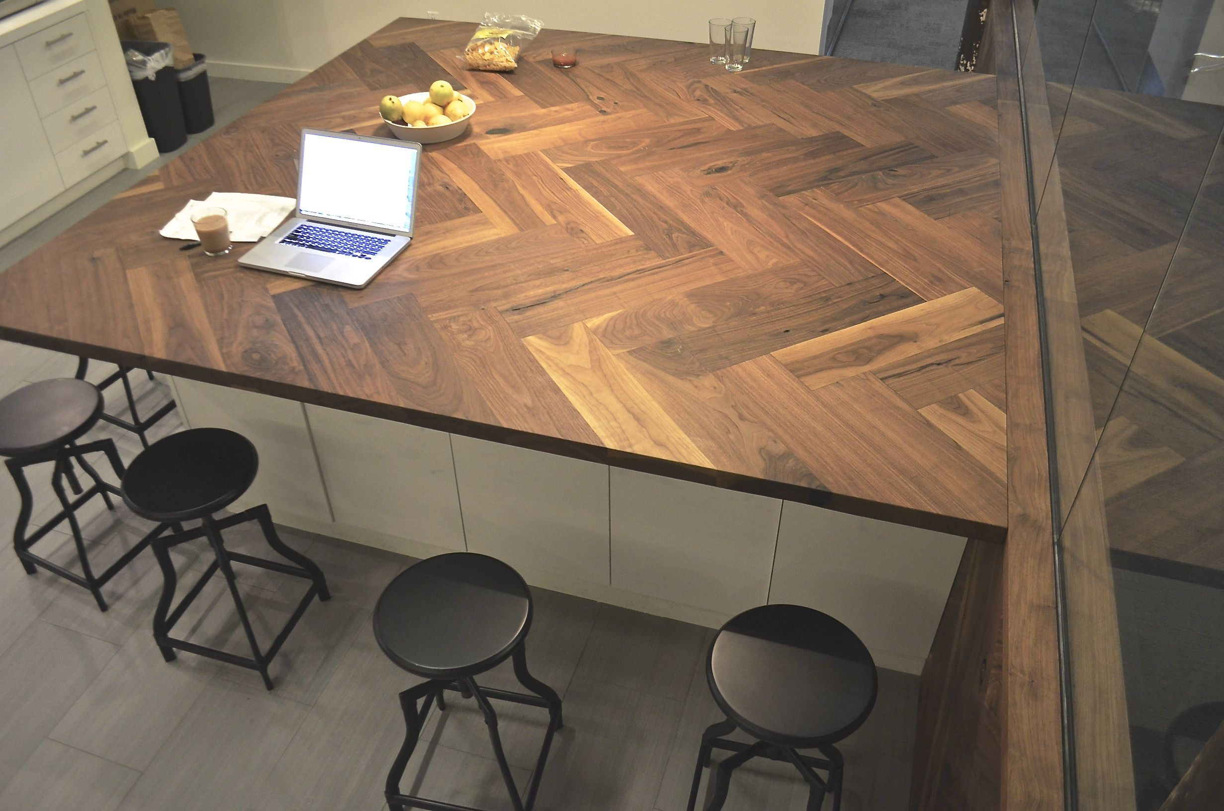 Walnut Herringbone Countertop Amp Low Wall Black Rabbit