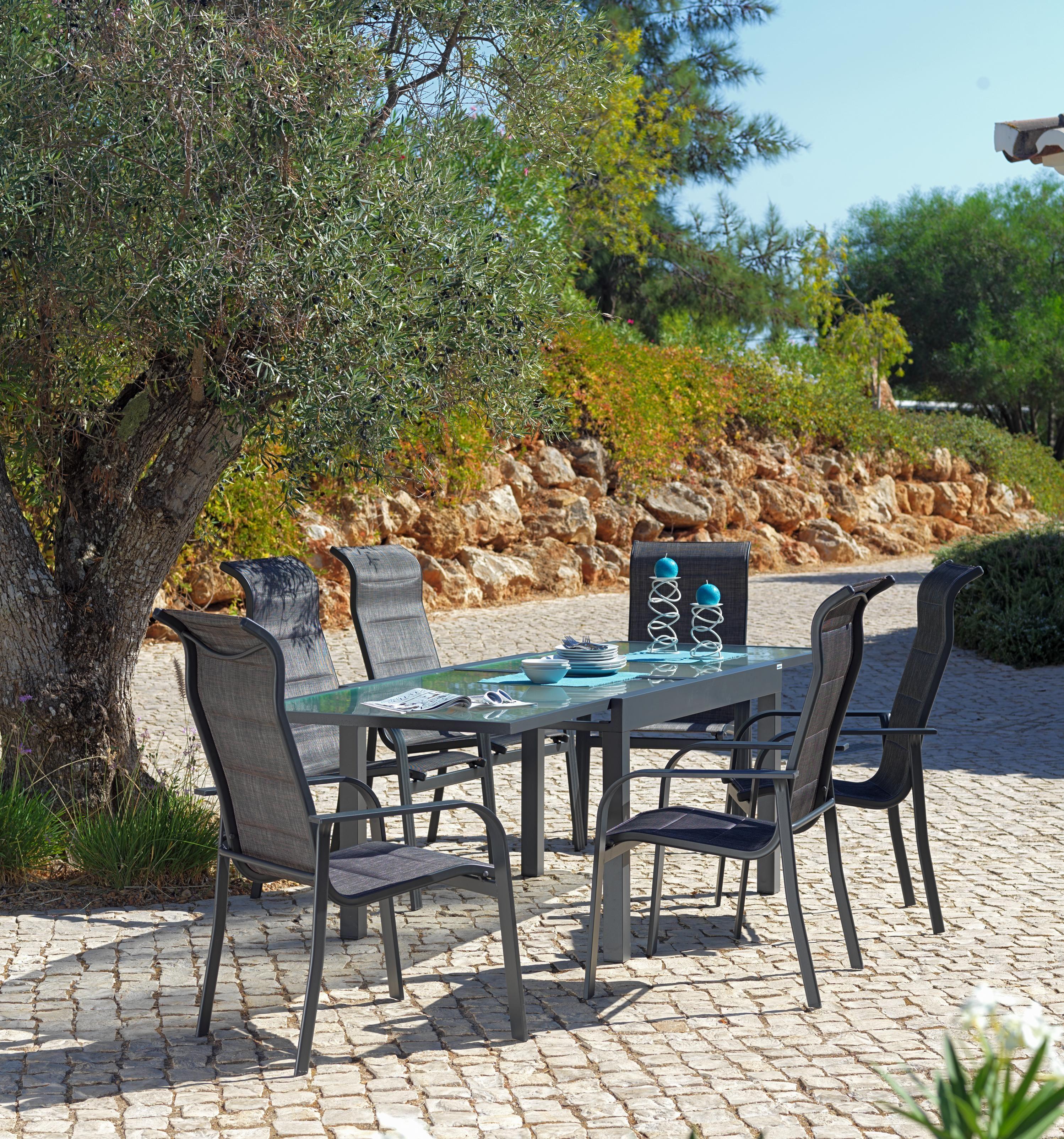 Garten Sitzgruppe Mit Hohen Ruckenlehnen Und Ausziehbarem Tisch Aus Glas Garten Sitzgruppe Garten Gartenmobel