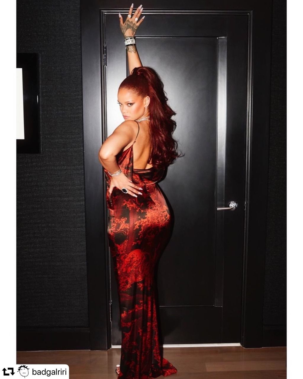 Rihanna | Red carpet fashion, Fashion, Red carpet dresses